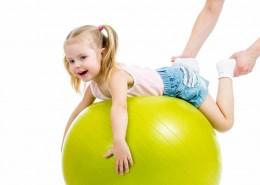 Rødvig GI - Gymnastik Far, Mor og Barn - Rytme, leg, sang og redskabsgymnastik for både barn og voksen. Alle aktiviteter udføres i tæt fællesskab mellem barn og mor og/eller far.